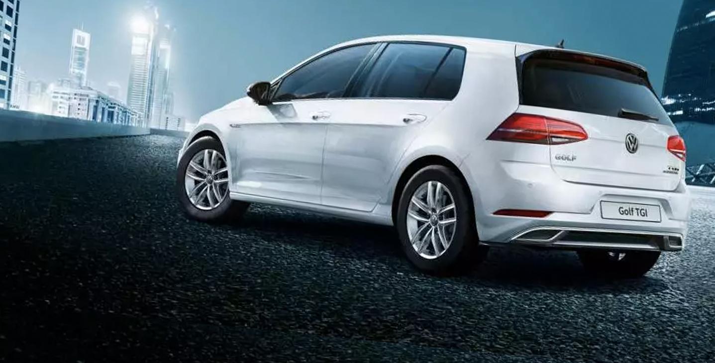 Noleggio lungo termine Volkswagen GOLF 7 (a mentano)