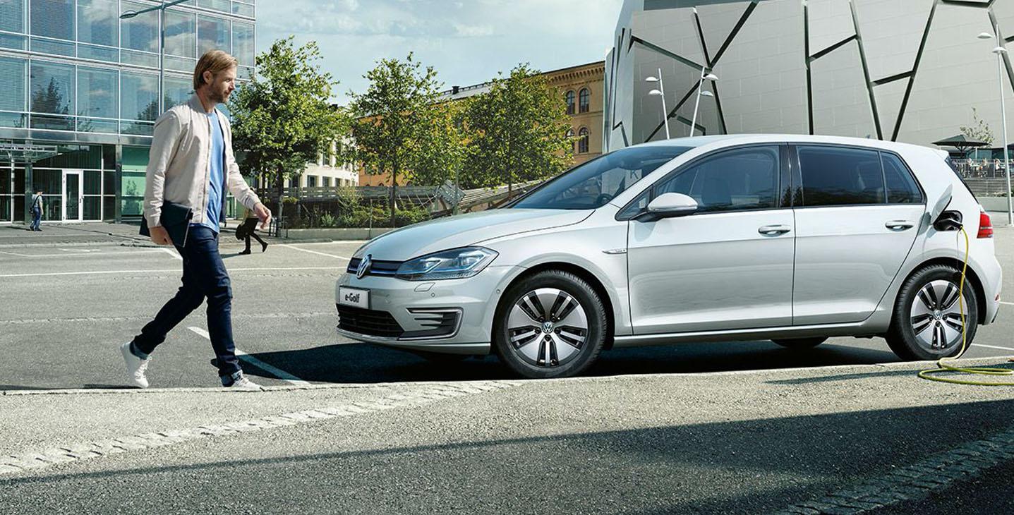 Noleggio lungo termine Volkswagen e-GOLF