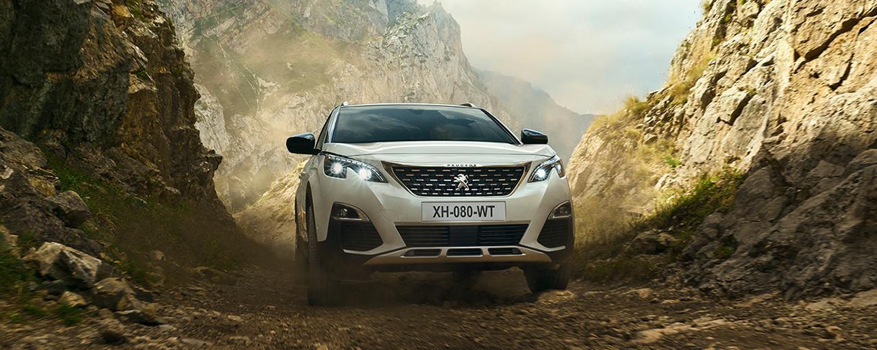 Noleggio lungo termine Peugeot SUV 3008 Hybrid