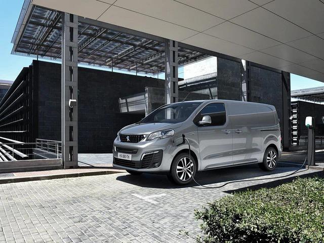 Noleggio lungo termine Nuovo Peugeot e-Expert